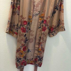 Floral kimono never worn